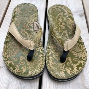 Teva Shoes - NWOT Teva Habit Flip Flip Sandals